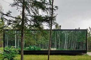 Дома с зеркальными стенами: в Канаде построили необычный глэмпинг