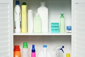 7 красивых и практичных идей для хранения бытовой химии в ванной