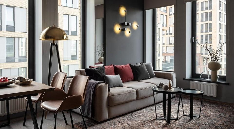 Бежевый диван в интерьере: как выбрать и обыграть