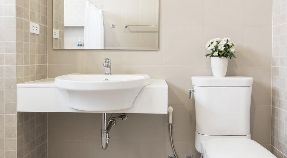 5 интерьерных ошибок, из-за которых ваша ванная выглядит меньше, чем есть на самом деле