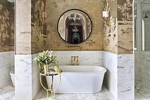 6 ванных комнат, где подружили плитку и обои (вы будете в восторге!)