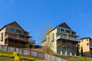 4 вида фундамента для строительства дома на склоне