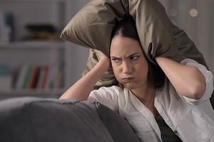 6 источников ежедневного шума в квартире, которые вы можете не замечать (но на нервы действует)
