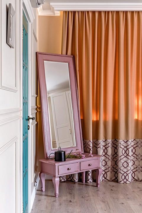 Зеркало в приватном помещении &...
