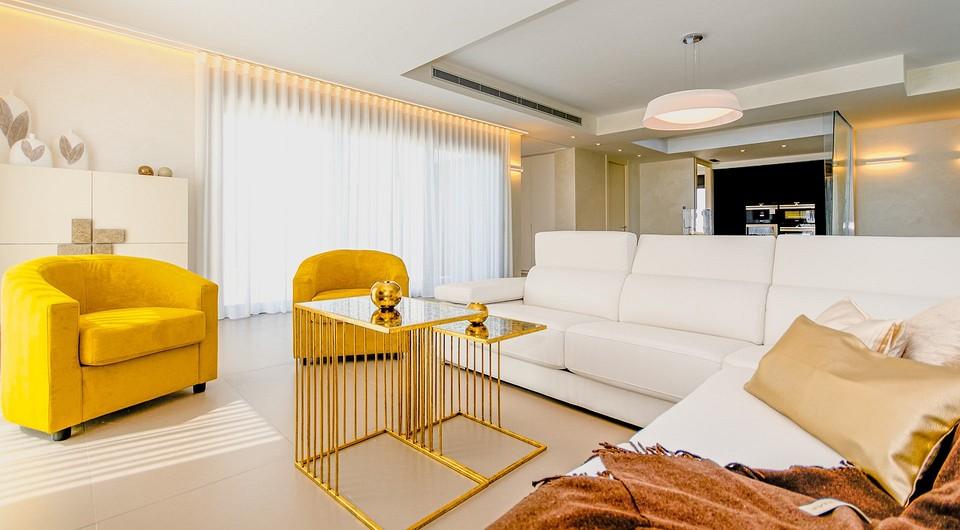Создаем идеальную мягкую зону в гостиной: 7 способов сочетать диван и кресла
