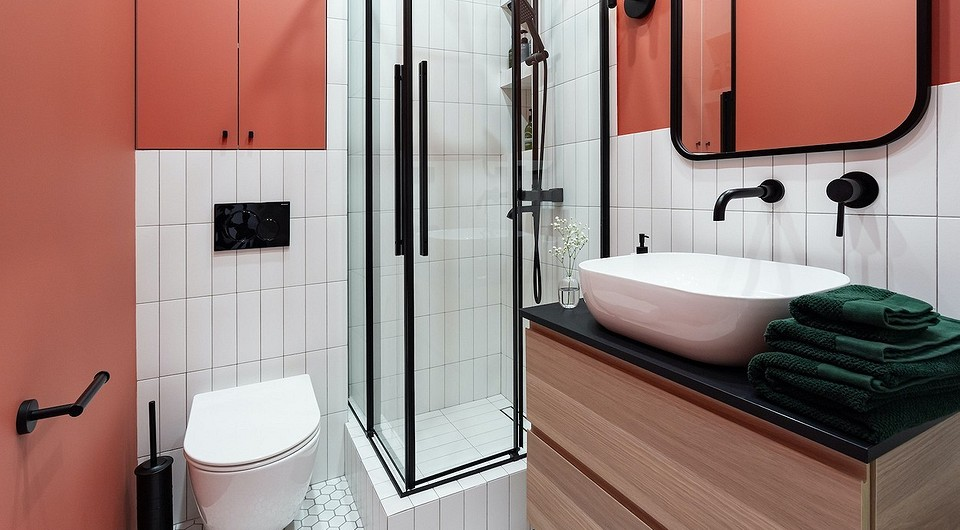 Какую плитку выбрать для маленькой ванной комнаты: советы и 60 фото