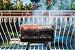 Можно ли устроить барбекю на балконе и не нарушить закон? 5 важных правил