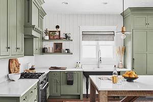 Оформляем интерьер кухни в частном доме (56 фото)