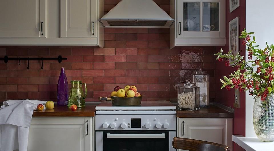 5 дизайнерских кухонь с мебелью ИКЕА