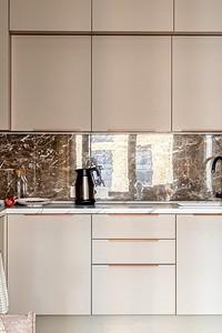 37 фото кухонь, встроенных в нишу (и советы тем, кто хочет сделать так же)