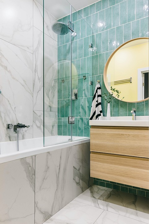 Акцентная стена в ванной вылож&...