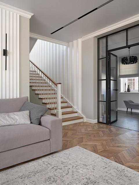 «Стены лестницы облицованы па&#...
