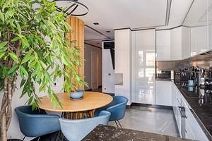 Двухкомнатная квартира в панельном доме, из которой удалось сделать почти трешку