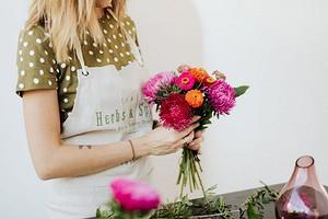 Как продлить жизнь свежесрезанным цветам: 7 советов
