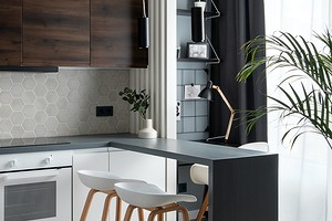 Кухня, мини-гостиная, спальня и рабочая зона: как уместили все в маленькой квартире