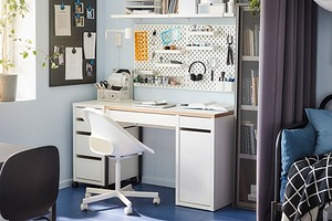 6 красивых рабочих мест с хранением на стене (и чистой столешницей)