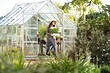 На заметку дачникам: 8 растений, которые не стоит сажать в теплице