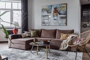 Трехкомнатная квартира с мини-кухней и террасой: интерьер для семьи дизайнера