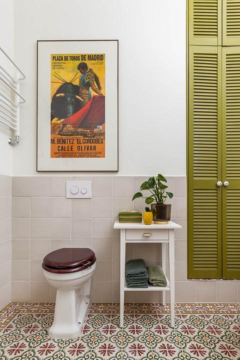 Интерьер ванной комнаты, по при...