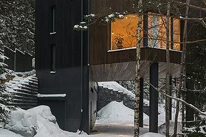 Дом на ножках: российские архитекторы построили «современную избушку»