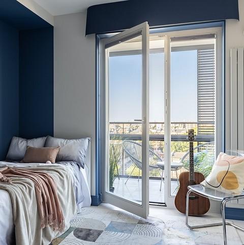 «Видовое окно в комнате дочери...