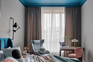 Можно не белый: 9 потрясающих дизайнерских решений с цветным потолком