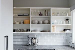 6 крутых идей для порядка на верхних ярусах кухонного гарнитура