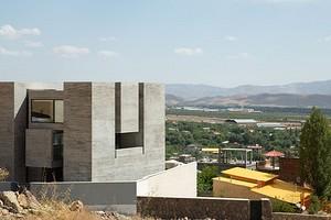 Дом в форме куба: в Иране построили необычное жилое здание