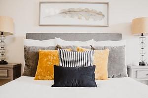 9 спален, где оформление кровати стало акцентом (учимся заправлять красиво!)