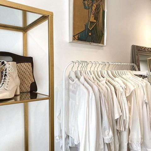 Женственные блузы в белой гамм&...