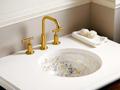 цветное оборудование интерьере ванной комнаты