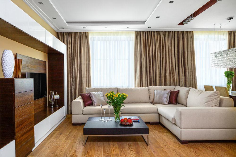 Интерьер маленькой квартиры-студии в теплых цветах