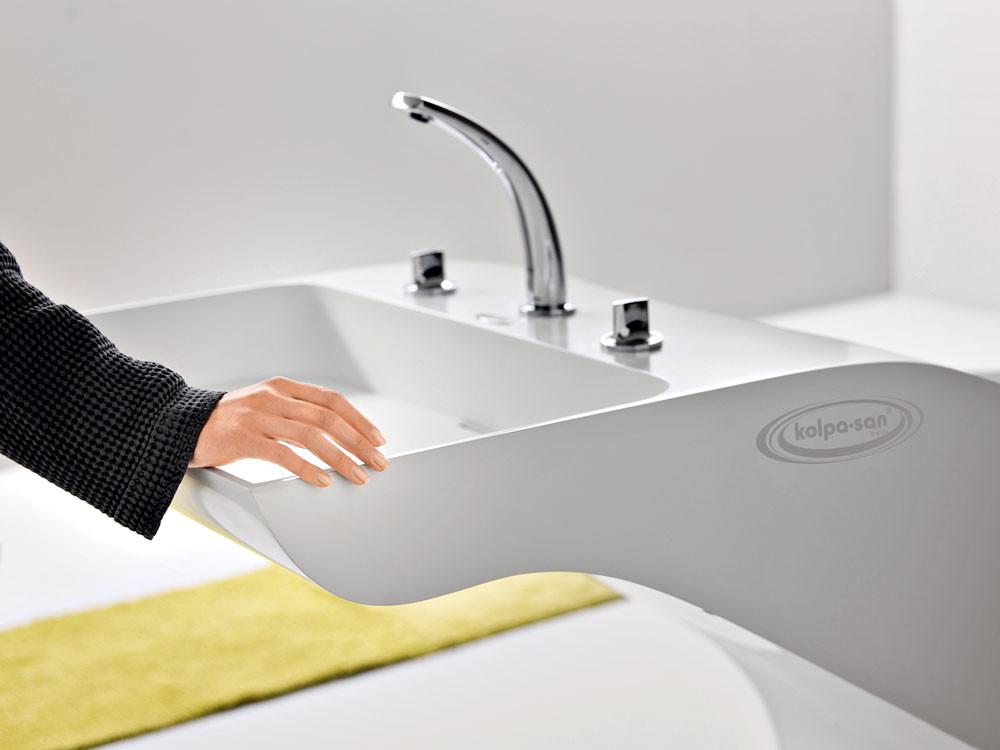 Искусственный каменьв оформлении ванной