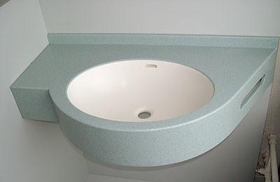 Для компактных ванных комнат