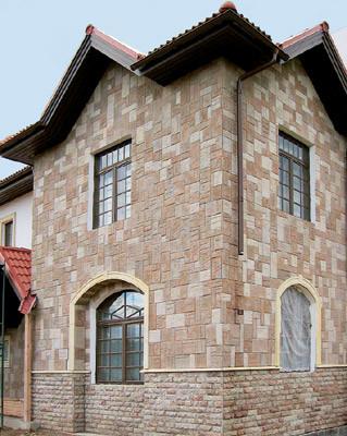 Фасад в дворцовом стиле
