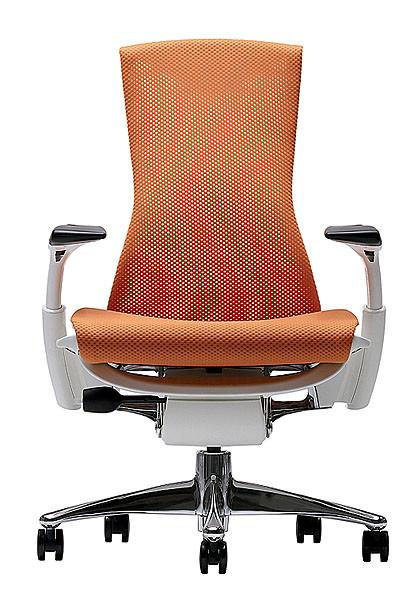Для комфортной работы: компьютерное кресло Embody