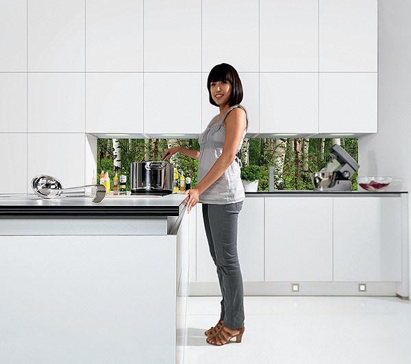 Добавьте эмоций: стеклянные панели для кухни