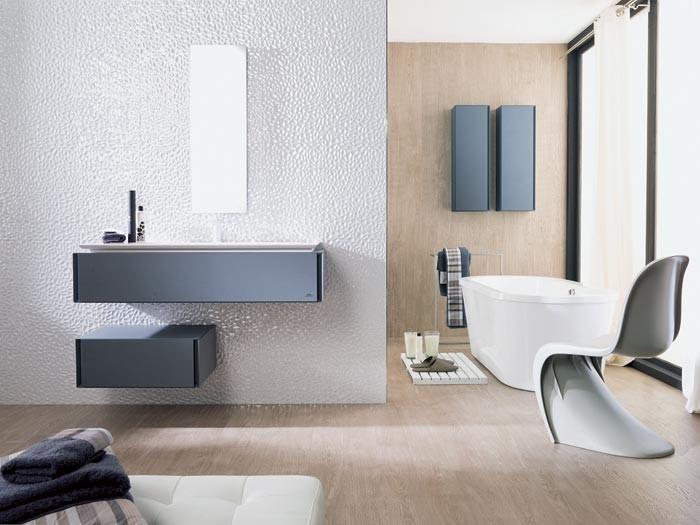 Минимализм для ванной: модульная коллекция мебели