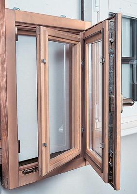 Окна с деревянными рамами: достоинства и недостатки. Стоимость