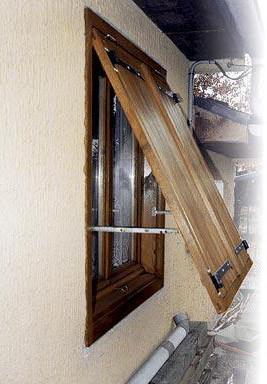 Деревянные ставни для загородного дома: материал, схема сборки