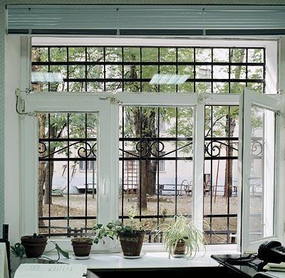 Демонтаж старых и установка новых окон: герметизация, монтаж