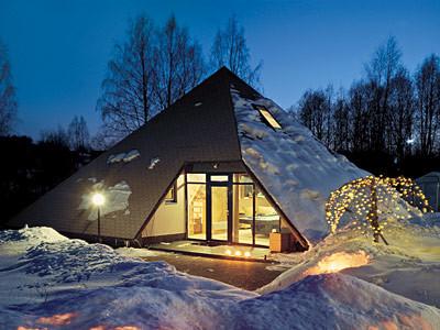 Пирамида в снегах