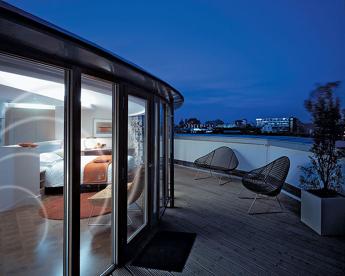 Как пройти на балкон?