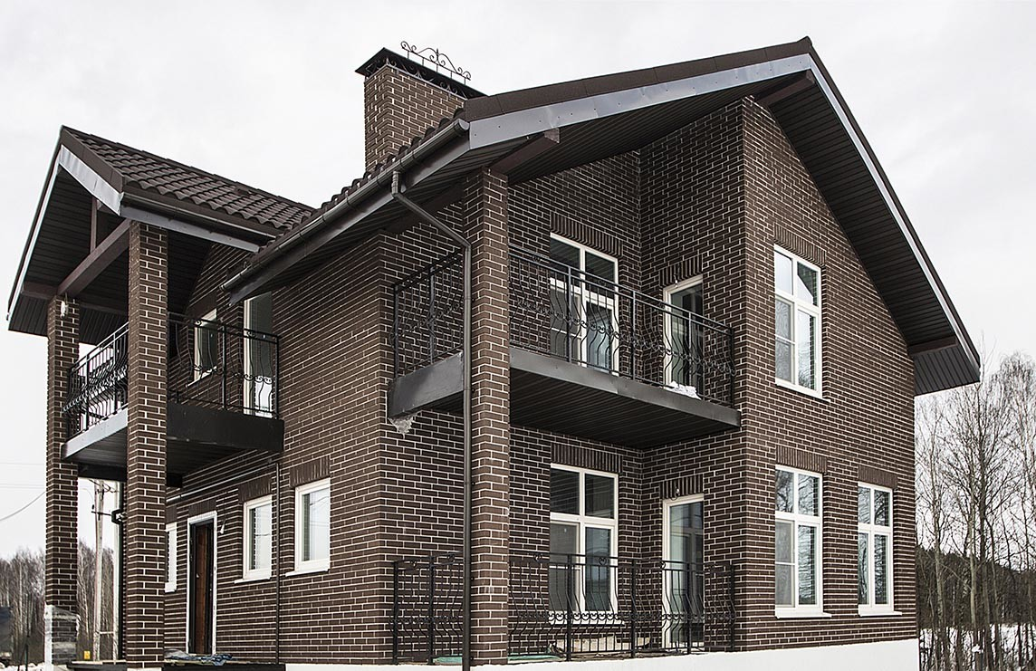 Пластиковые окна для загородного дома: тонкости выбора и установки
