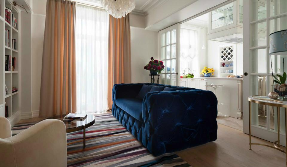 Интерьер небольшой квартиры с видом на набережную