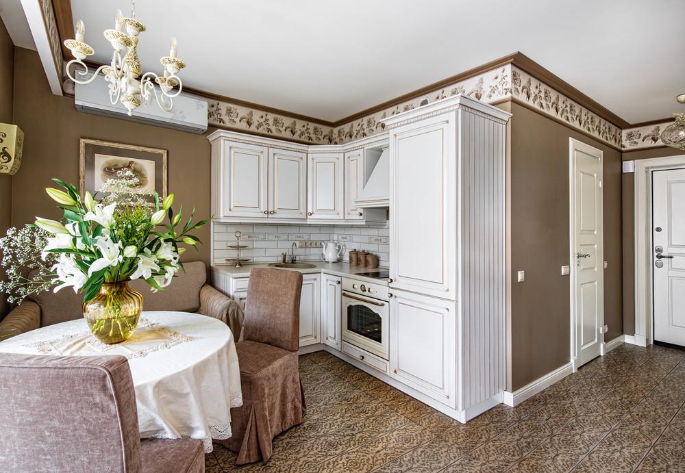 Интерьер маленькой квартиры в бежево-коричневых тонах
