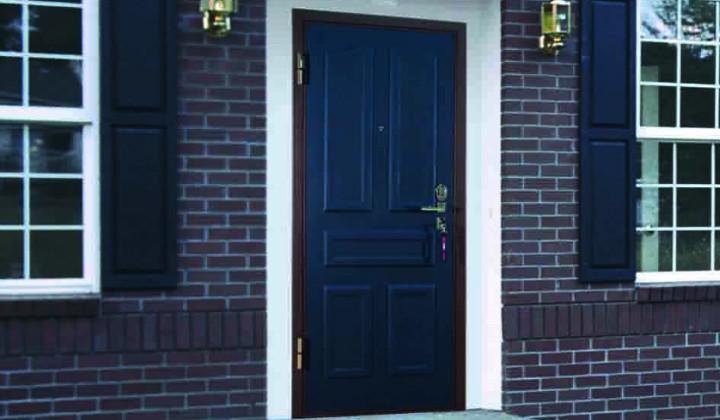 Входная дверь для загородного дома: 5 критериев выбора