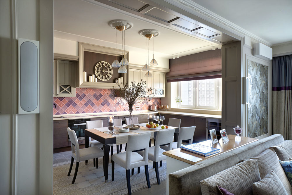 Интерьер вне времени: неоклассика и современный стиль в оформлении кухни