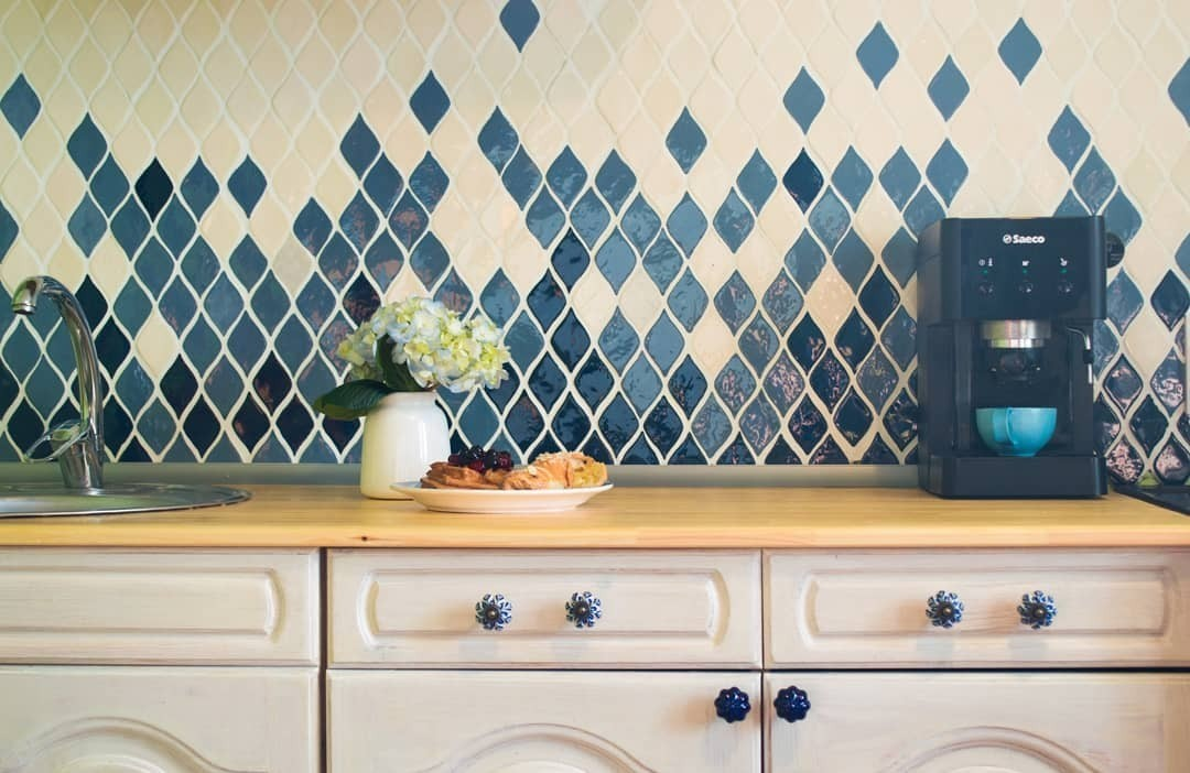 Высота и ширина кухонного фартука: выбираем размеры правильно