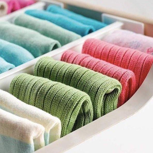 Летом может понадобиться свитер, а зимой под теплое пальто при не очень морозной погоде вполне можно надеть легкое платье.